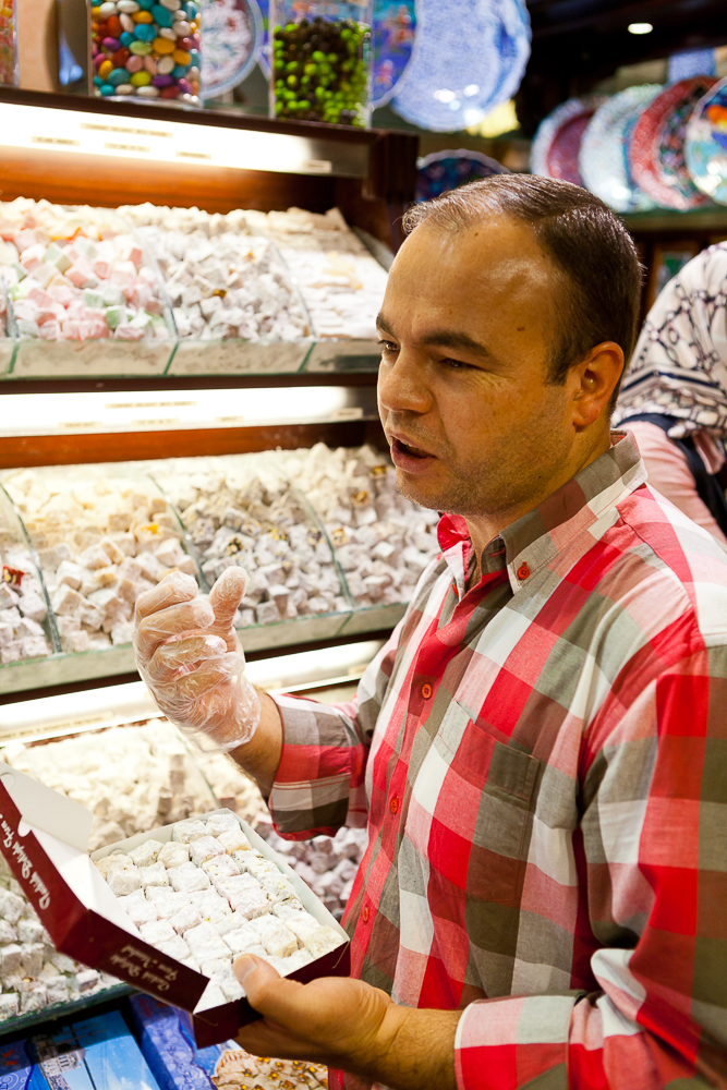 That-Wild-Idea-Blog-Photographing-Markets-Kav-Dadfar-Grand-Bazaar-Istanbul-Turkey