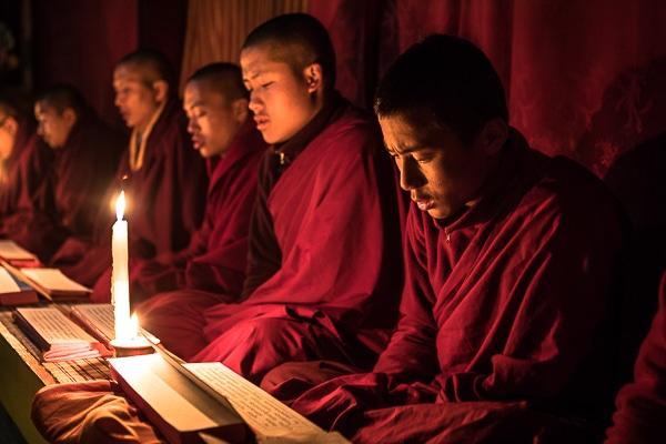Monks reading