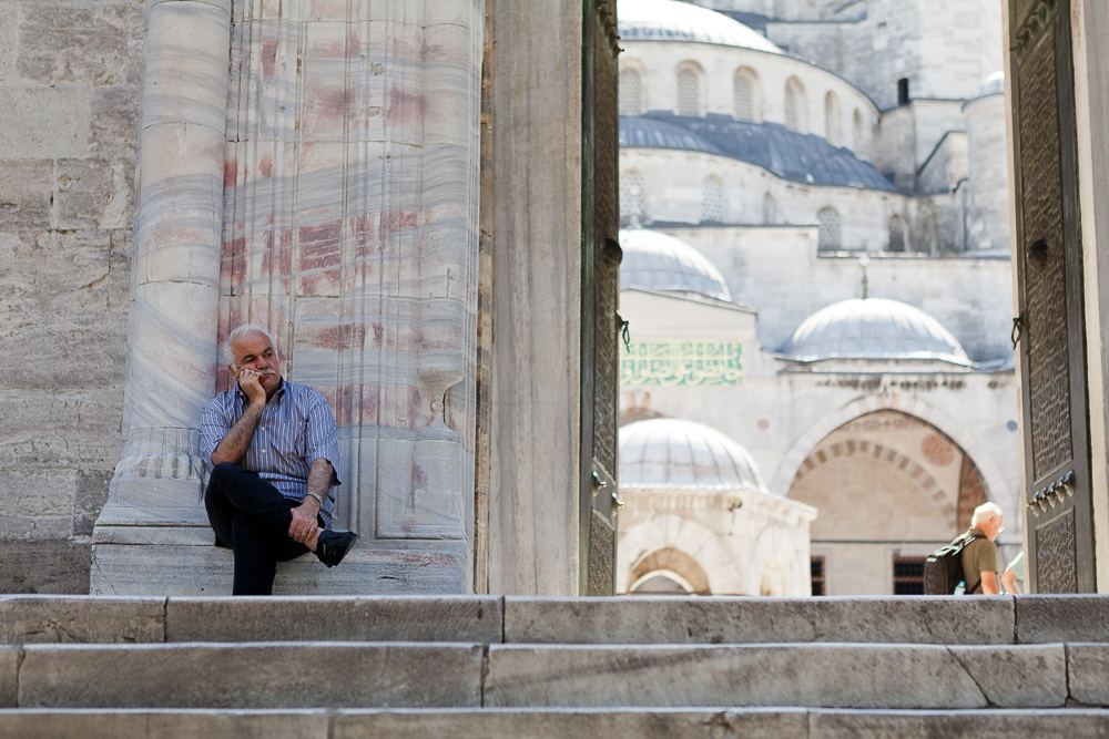 Photographing-famous-landmarks-istanbul
