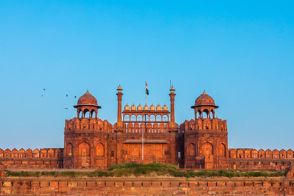Photographing-famous-landmarks-new-delhi