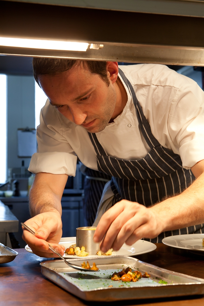 Photographing-food-chef-working