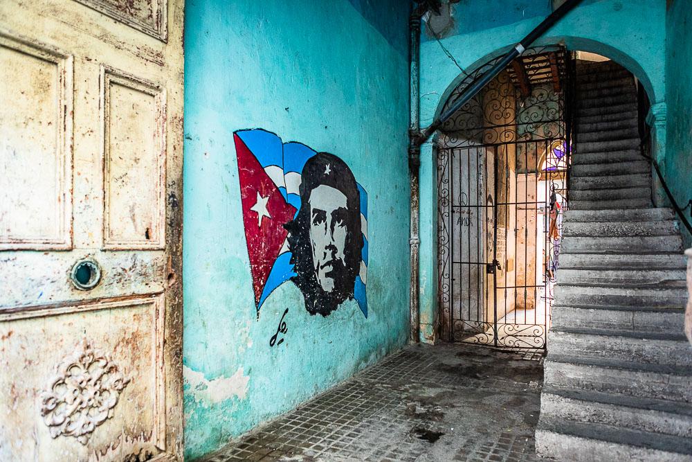 che Guevara artwork in Havana